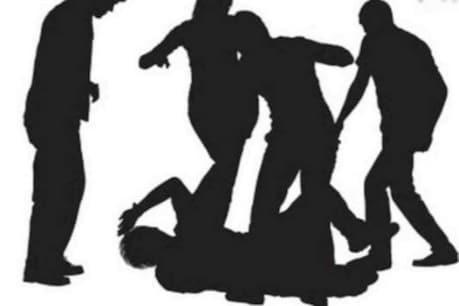 তিনিচুকীয়াত সাংবাদিকক আক্ৰমণ, কাঢ়ি নিয়ে ম'বাইল ফোন