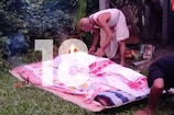 মাজুলীত কৰুণ ঘটনা, ঘৰৰ চোতালতে সৎকাৰ কৰিবলগীয়া হ'ল মৃতদেহ