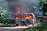 ভয়ংকৰ দুৰ্ঘটনা,বিদ্যুৎ পৰিবাহী তাঁৰত লাগি জ্বলি গ'ল জেচিবি, Video