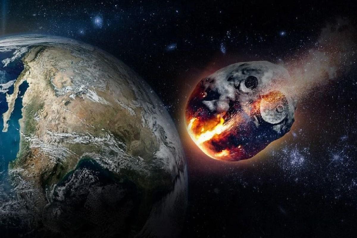 মার্কিন স্পেচ ৰিচাৰ্চ চেন্টাৰ NASA–ই এক উদ্বেগজনক তথ্য শেহতীয়াকৈ প্ৰকাশ কৰিছে। 2020 RK2 নামৰএটা ষ্টেৰয়ড অত্যন্ত দ্ৰুতগতিৰে পৃথিৱীৰ দিশলৈ আগুৱাই আহিছে। এই এষ্টৰয়ডে অক্টোবৰতে পৃথিৱীৰ কক্ষপথত প্ৰৱেশ কৰিব। পৃথিৱীৰ একেবাৰে কাষেৰে পাৰ হৈ যোৱাৰ আশংকাও বাদ দিব পৰা নাই মহাকাশবিজ্ঞানীসকলে৷ বিজ্ঞানীসকলে এই বিষয়টিৰ ওপৰ কঠোৰ দৃষ্টি ৰাখিছে। Photo-Representative