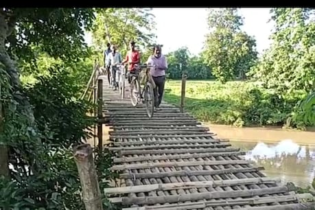 Bamboo Bridge : প্ৰতাৰণাৰ প্ৰতীক হৈ পৰিছে এখন বাঁহৰ দলং। ১৯৮৫ৰ পৰাই পাইছে প্ৰতিশ্ৰুতি, পোৱা নাই দলংখনহে।