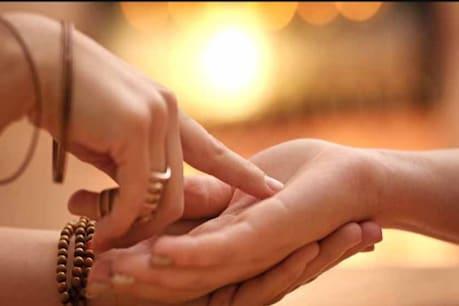Money line in your palm: হাতত এই ৰেখা থাকিলে ধন সম্পত্তিৰ উভৈনদী হ'ব আপোনাৰ...!