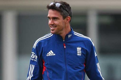 इंग्लैड के अनुभवी बल्लेबाज केविन पीटरसन ने कहा है कि उनकी टीम के कप्तान एलेस्टेयर कुक में इतनी काबिलियत है कि वह दुनिया के दिग्गज खिलाड़ी मास्टर ब्लास्टर सचिन तेंदुलकर के रिकार्ड तोड़ सकते हैं।