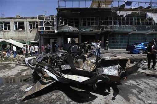फगानिस्तान का हेरात आज धमाकों से गूंज उठा। यहां अमेरिकी कॉन्सुलेट के पास जबरदस्त धमाका हुआ है। इस धमाके को तालिबान ने अंजाम दिया है।