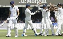 इंग्लैंड 6/219 रन, भुवनेश्वर ने झटके 4 विकेट