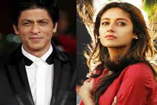 इलियाना डिक्रूज सिल्वर स्क्रीन पर शाहरुख खान के साथ रोमांस कर सकती हैं। बॉलीवुड के जानेमानें निर्देशक मनीष शर्मा शाहरुख को लेकर 'फैन' नामक एक फिल्म का निर्देशन करने जा रहे हैं।