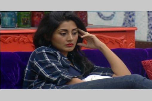 डिजाइनर कवलजीत सिंह ने 'बिग बॉस' के घर में किसी भी कार्य में अपनी रचि नहीं दिखाने के लिए अभिनेत्री रिमी सेन की आलोचना की है।