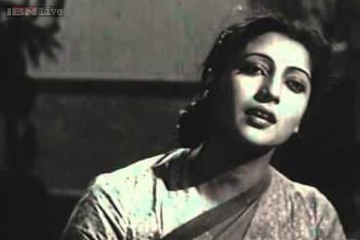 फिल्मी पर्दे पर खूबसूरती और सादगी के मिश्रण की अनूठी मिसाल को देखना हो तो सुचित्रा सेन की किसी भी फिल्म को देखा जा सकता है।