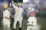 VIDEO: कांग्रेस विधायक ने तलवार से दिखाए करतब, ढोलक की थाप पर किया बब्बर शेर डांस