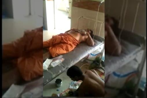 साधु ने आरोप लगाया कि बिजनेस में घाटा होने के बाद महिला ने उस पर हमला किया था.