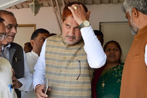 Haryana सुभाष बराला के बेटे पर सीनियर आईएएस की बेटी से छेड़खानी का आरोप लगा है. photo: PTI