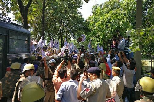 """""""वादा खिलाफ-पर्दाफाश"""" नाम का एक कैंपेन पूरे पंजाब में लॉन्च कर दिया गया है.Image: AAP Twitter"""
