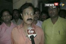 गोरखपुरः अवैध शराब के ठिकाने पर छापेमारी, लाखों का अंग्रेजी शराब बरामद