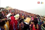 VIDEO: सुल्तानगंज गंगा घाट पर स्नान के लिए उमड़ी छठव्रतियों की भीड़