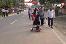 VIDEO: दंड प्रणाम करते हुए घाट पर पहुंचे भक्त, आईए जानते हैं क्यों?