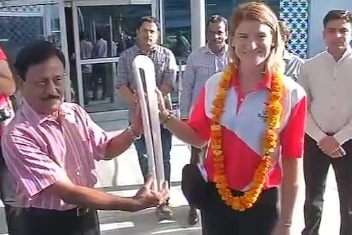 आस्ट्रेलिया में होने वाले कॉमनवेल्थ गेम्स  2018 की क्वीन्स बेटन (मशाल) मंगलवार को भारत पहुंची