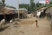 'घर बनाने के लिए जमीन नहीं और अधिकारी कहते हैं कि शौचालय बनवाओ'