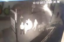 VIDEO: जालंधर के 2 शोरूमों में चोरी, चोरों में 2 लड़कियां भी शामिल