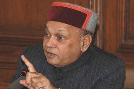 हिमाचल चुनाव: सीएम रेस में धूमल के नाम की भी चर्चा, कई विधायक मिलने पहुंचे