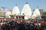 नये साल के मौके पर देवघर के बाबा मंदिर में भक्तों की भीड़