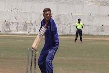 शाबाश आमिर हुसैन! दोनों हाथ नहीं हैं लेकिन फिर भी करते हैं आक्रामक बल्लेबाजी