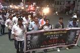 VIDEO: कठुआ रेप केस: एनएसयूआई कार्यकर्ताओं ने निकाला कैंडल मार्च