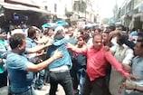 अलीगढ़: बिजली विभाग के SDO की जमकर पिटाई, वीडियो वायरल