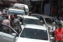 घंटों जाम में फंस रहे हैं मसूरी घूमने आ रहे पर्यटक, ट्रैफ़िक पुलिस के सारे दावे फेल