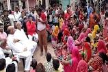सफाई कर्मचारी बनने से वंचित वाल्मीकि समाज के लोगों ने किया प्रदर्शन