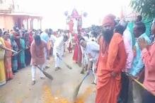 पवित्र नगरी महेश्वर में भगवान जगन्नाथ की ढोल-ताशों के साथ निकली भव्य रथ यात्रा