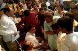 Video: राहुल गांधी के खास प्रदेश प्रभारी का फिर विरोध, मंच पर जाने से रोका