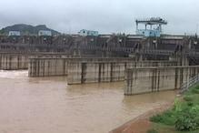VIDEO: भारी बारिश के कारण उफान पर नदी, गांवों में बढ़ा बाढ़ का खतरा
