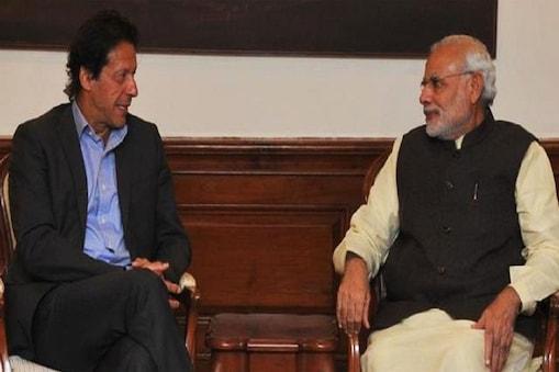 पाकिस्तान के पीएम इमरान खान और प्रधानमंत्री नरेंद्र मोदी की फाइल फोटो- MEAIndia/Twitter