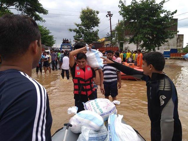 ओडिशा में चक्रवात 'तितली' के कारण भारी बारिश से बाढ़ आने के कारण 60 लाख से ज्यादा लोग प्रभावित हुए हैं और प्रदेश सरकार ने तीन जिलों में बचाव और राहत अभियान को तेज करने के लिए एनडीआरएफ और ओडीआरएएफ कर्मियों को तैनात किया है.