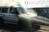 कोटा एयरपोर्ट के सामने चलती कार में लगी आग