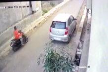 VIDEO: कोटा में चोर ने दिनदहाड़े उड़ाया स्कूटर, घटना सीसीटीवी में कैद