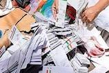 डाक की लापरवाही: नाले के पास मिली CM योगी को लिखी चिट्ठी और हजारों आधार कार्ड