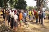 VIDEO:  जामताड़ा में पेड़ से लटका मिला युवक का शव, हत्या की आशंका