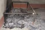 VIDEO- जमुई: युवक की अधजली लाश मिली, परिजनों ने 'हत्या' कहा
