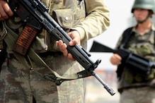 जम्मू कश्मीर: आतंकियों ने कांग्रेसी नेता के घर से 4 AK-47 राइफल्स लूटी