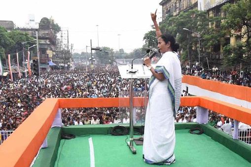 पश्चिम बंगाल की मुख्यमंत्री ममता बनर्जी  (फ़ाइल फोटो)
