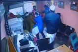 VIDEO: शोहदों ने दो बहनों के साथ की छेड़छाड़, विरोध करने पर की मारपीट