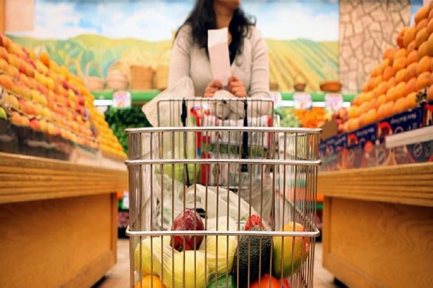 जीएसटी काउंसिल की 31वीं बैठक में फ्रोजन सब्जियों पर से टैक्स हटा लिया गया था. ये प्रोडक्ट्स अब जीरो फीसदी टैक्स के दायरे में आ गए हैं.
