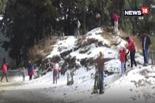 VIDEO: सरोवर नगरी नैनीताल हुई गुलजार, पर्यटक बर्फबारी के साथ बोटिंग का ले रहे मजा