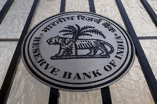 रिजर्व बैंक (RBI) सूक्ष्म, लघु और मझोले उद्योगों (MSMEs) को नए साल का तोहफा दिया है. RBI ने MSMEs के 25 करोड़ रुपये तक के लोन की रिस्ट्रक्चरिंग की इजाजत दे दी है.