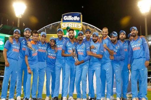 यह टीम इंडिया की ऑस्ट्रेलिया की सरजमीं पर द्विपक्षीय वनडे सीरीज में पहली जीत है.