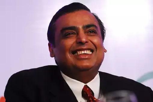 रिलायंस इंडस्ट्रीज के चेयरमैन मुकेश अंबानी ने घोषणा की कि RIL पश्चिम बंगाल में 10,000 करोड़ रुपये का निवेश करेगी.