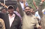 VIDEO: झारखंड के धनबाद में नहीं दिखा भारत बंद का असर, खुली रहीं दुकानें