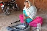 महिला दिवस 2019: टायर का पंचर बनाकर अपना परिवार पालती हैं 'जाहिदा बी'