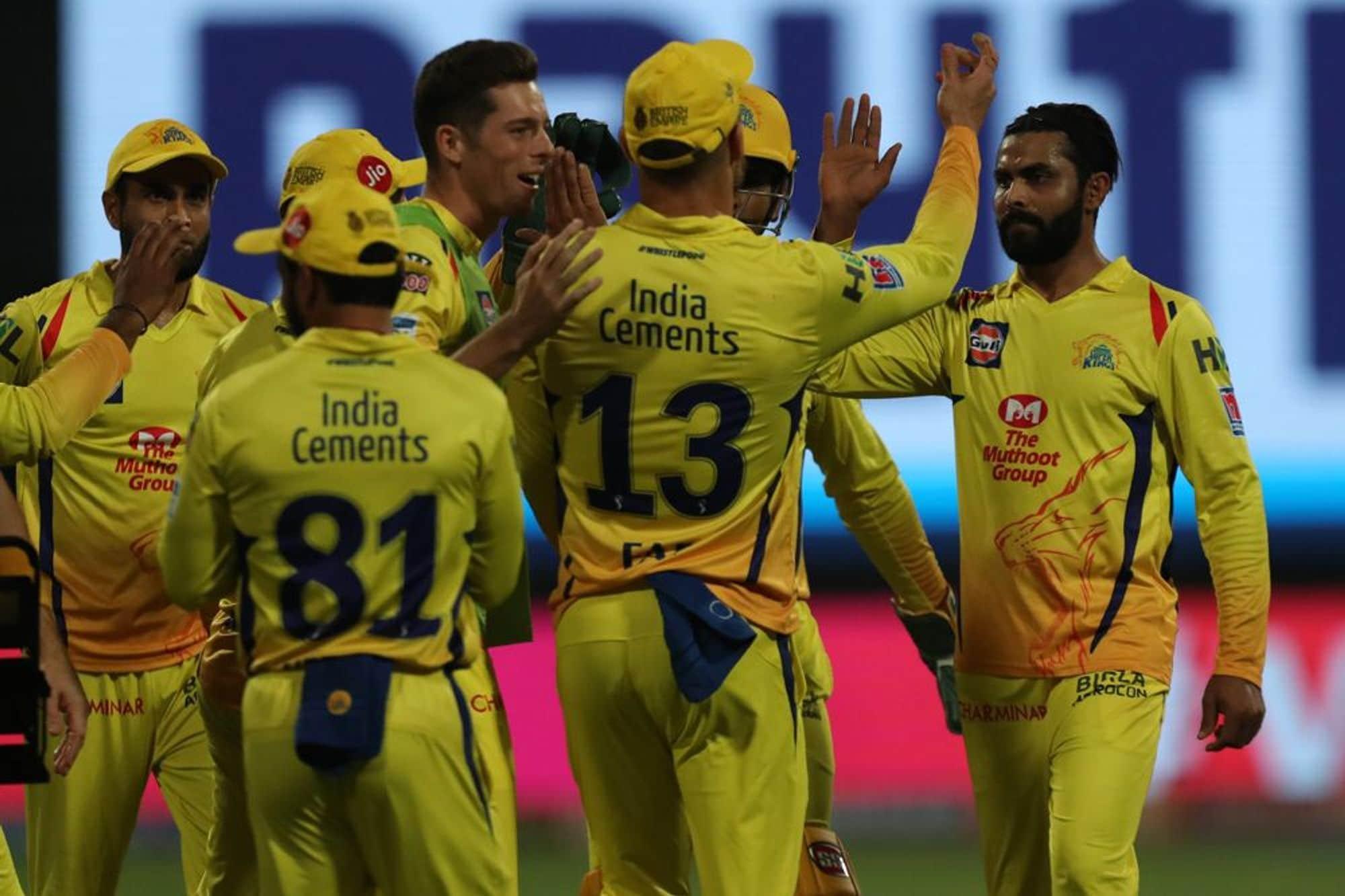 चेन्नई सुपरकिंग्स की जीत की सबसे बड़ी वजह खुद धोनी हैं, जो बतौर कप्तान, बतौर बल्लेबाज और विकेटकीपर अपनी टीम की कामयाबी में अनमोल योगदान देते हैं (PC -IPL)